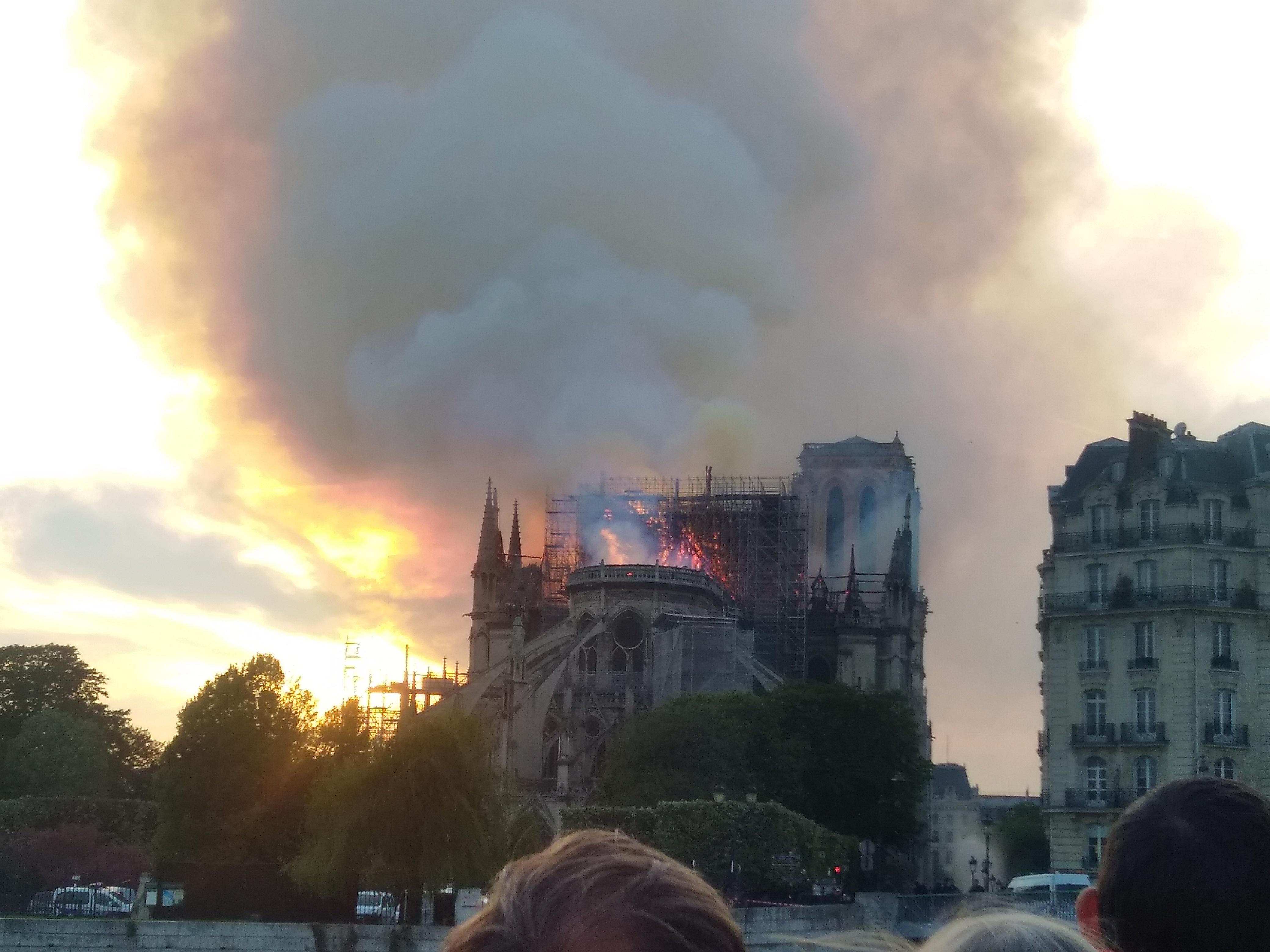 Incendie de Notre-Dame de Paris, 15 avril, 2019